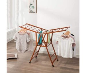 Bamboo maker's clothes-drying rack landing